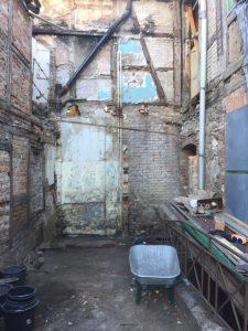 Blick auf abgetragene Wand