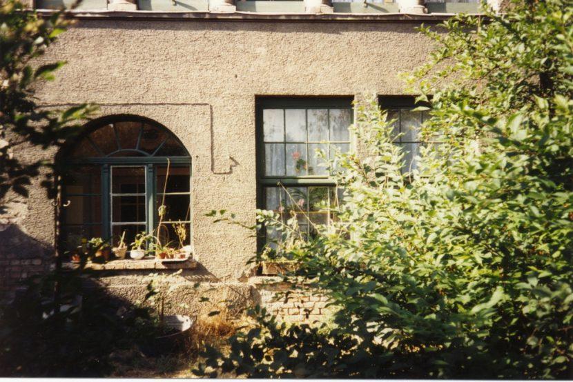 Fenster in der Schwemme von außen